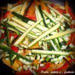 Straccetti di pollo e maiale con verdure