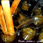 Bicchierini con caviale di melanzane e crostini dolci