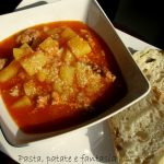 Zuppa di patate e salsicce