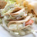 Mini Tacos con coleslaw e carpaccio di baccalà affumicato
