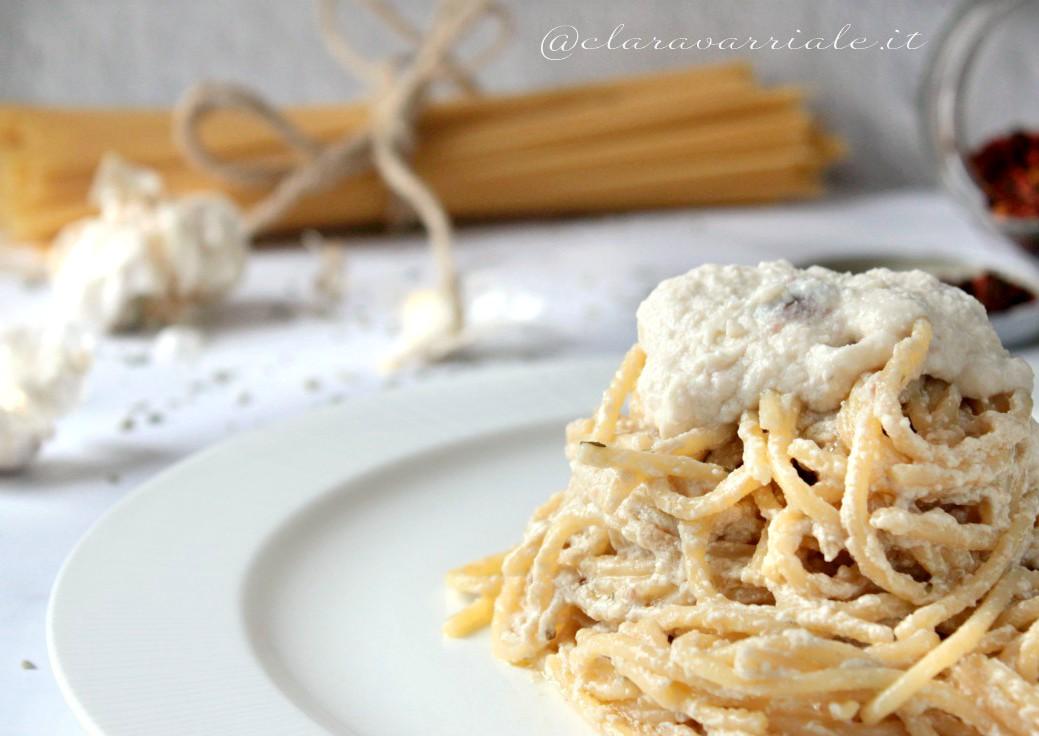 spaghetti aglio olio e ricotta